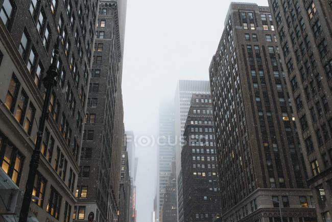 Paysage urbain de l'hiver à New York, USA — Photo de stock