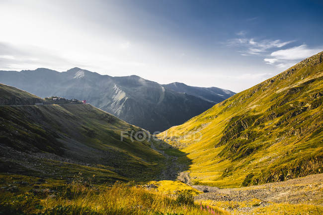 Paisagem montanha do vale, Draja, Vaslui, Romania — Fotografia de Stock