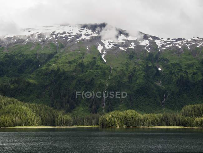 Vista panorâmica da enseada do Príncipe Guilherme, Whittier, Alasca, Estados Unidos, da América do Norte — Fotografia de Stock