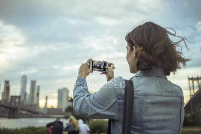 Frau, Foto, Brooklyn, New York, die uns — Stockfoto