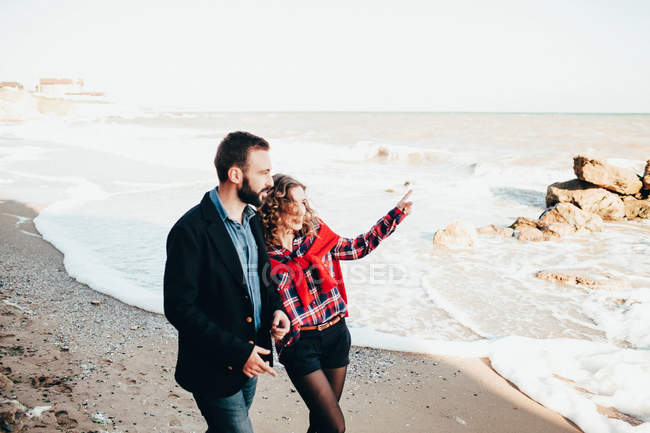 Romantische Mitte erwachsenes paar von Strand, Odessa Oblast, Ukraine — Stockfoto