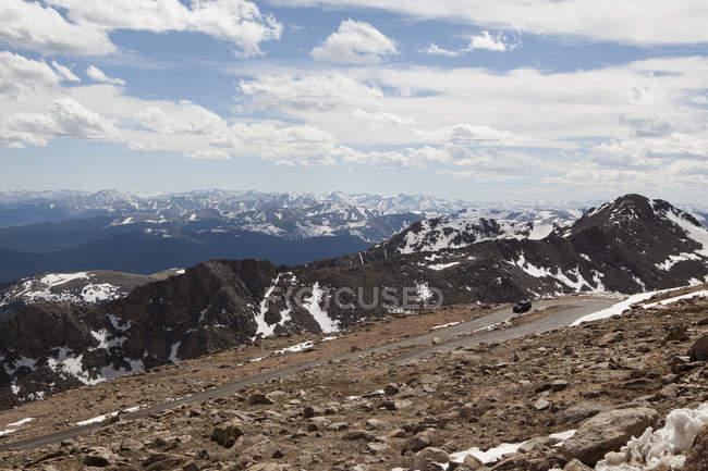 Vue de la route du Mont Evans sur paysage montagneux, Colorado, é.-u. — Photo de stock