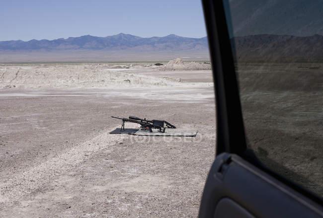 Переглянути з автомобіля двері з Напівлюкс автоматичної зброї в Вендовер, штат Юта, США дальність стрільби — стокове фото