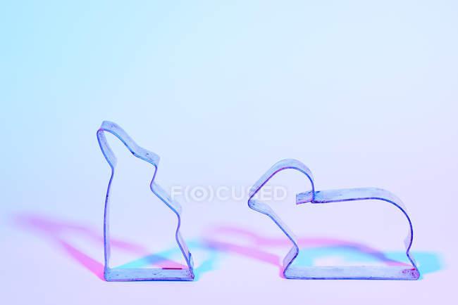 Пасхальний кролик і Агнця Формочки лицем до лиця — стокове фото