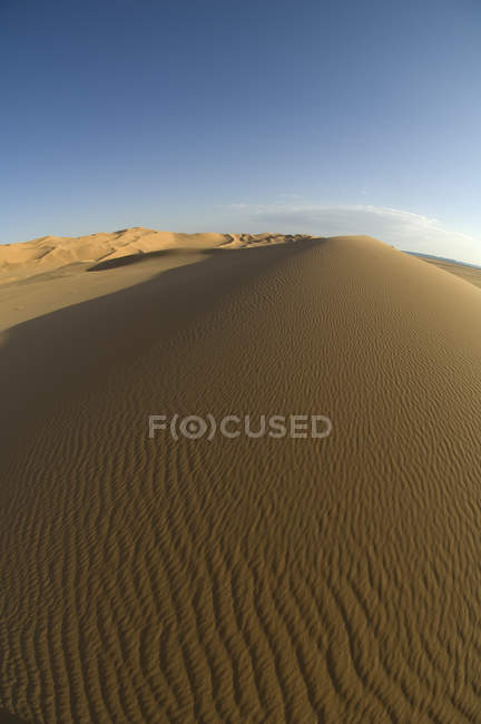 Посмотреть на песчаных дюнах Эрг Авбари, пустыня Сахара, Феццана, Ливия — стоковое фото