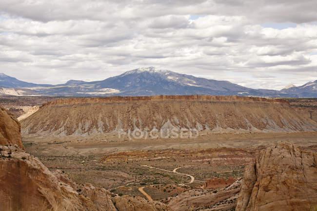 Burr Trail Road à travers canyon Grand-Escalante National Monument, Utah, USA — Photo de stock