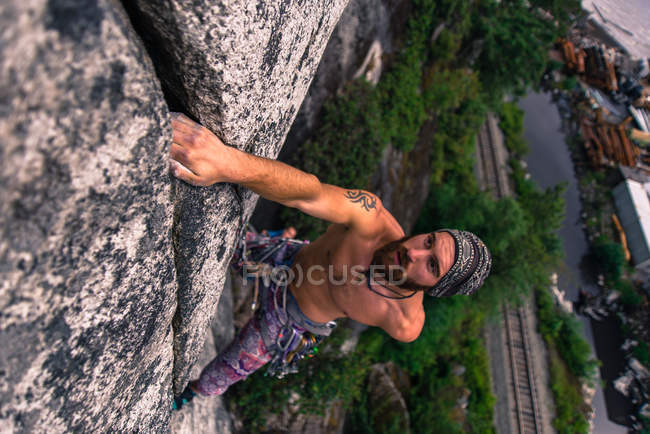 High angle view of Man climbing Malamute, Squamish, Canada — Stock Photo
