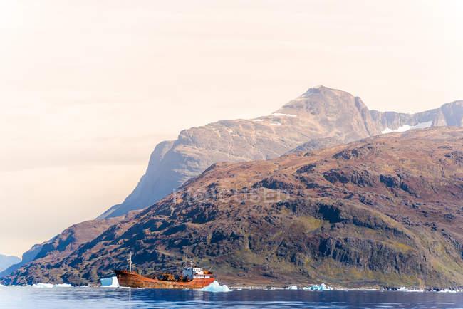 Pesca a strascico in mare, Narsaq, Vestgronland, Groenlandia — Foto stock