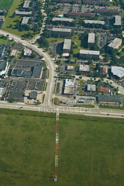 Luftaufnahme des suburbanen Illinois Häuser, Dächer und grünen Rasen, Usa — Stockfoto