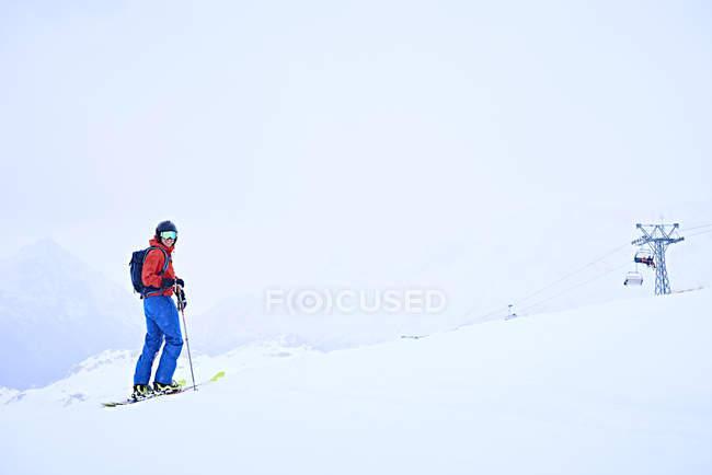 Лица, на лыжах на Хинтертукс, Тироль, Австрия — стоковое фото