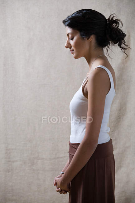 Side view of woman with eyes closed — Stock Photo