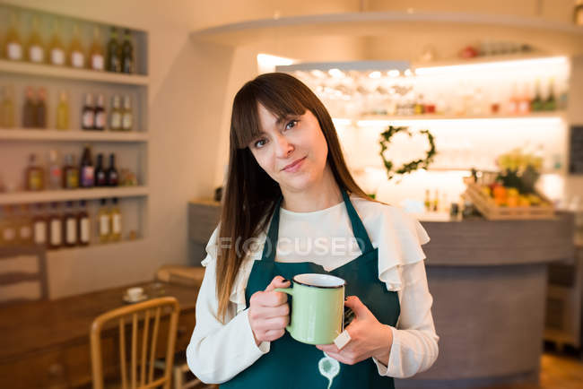 Портрет жіноче власник ресторану Vegan — стокове фото