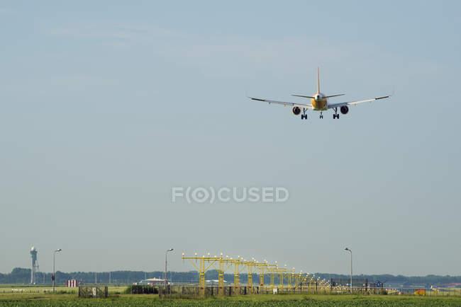Аероплан приземлення, Схіпхол, Північна Голландія, Європа — стокове фото