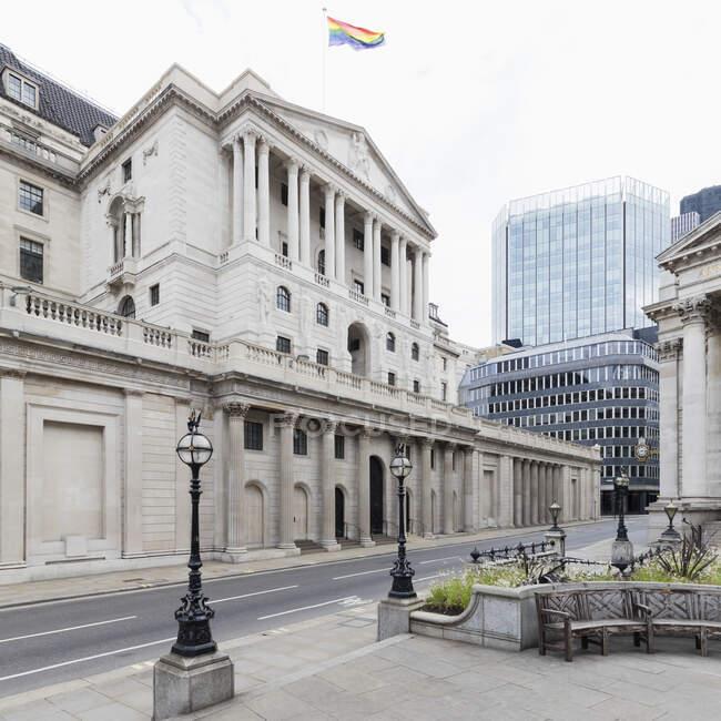 Vista exterior do Banco da Inglaterra, Londres, Reino Unido durante a crise do vírus Corona. — Fotografia de Stock