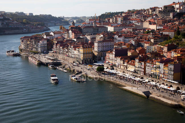 Вид с воздуха на набережную, Порту, Португалия — стоковое фото