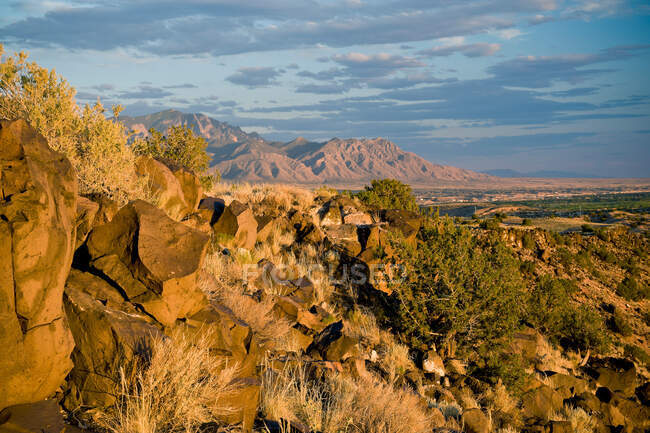 Rocky landscape near Albuquerque, New Mexico, USA — Photo de stock