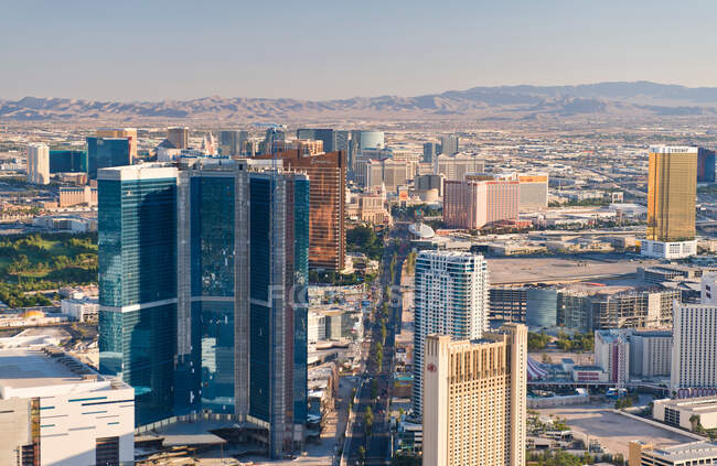 View of Las Vegas Skyline from Stratosphere Tower, Nevada, USA — Photo de stock
