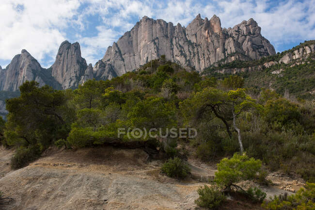 Mountains in the back of Monastery Santa Maria de Montserrat, Catalonia, Spain — Stock Photo