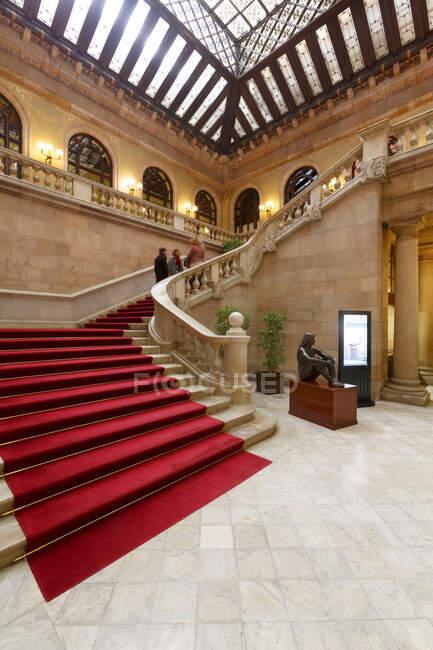 Staircase, Catalonia Parliament Building, Parc de la Ciutadella, Barcelona, Catalonia, Spain — Stock Photo