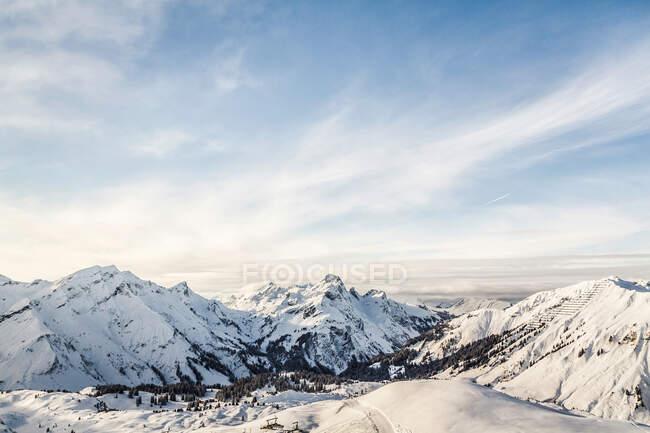 View of mountains and ski slope, Warth, Vorarlberg, Austria — Stock Photo