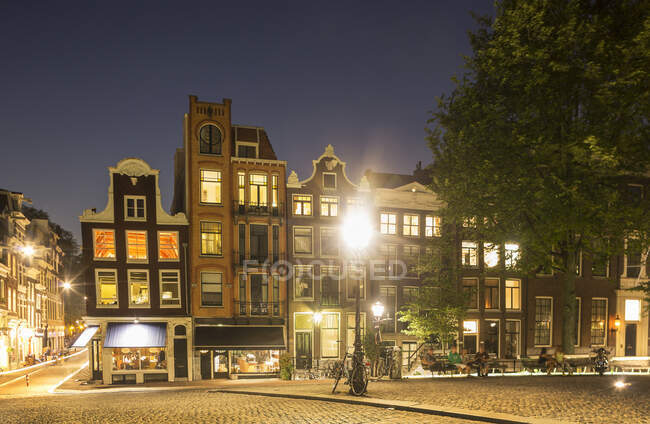 Street scene and building exteriors, Amsterdam, Netherlands — Foto stock