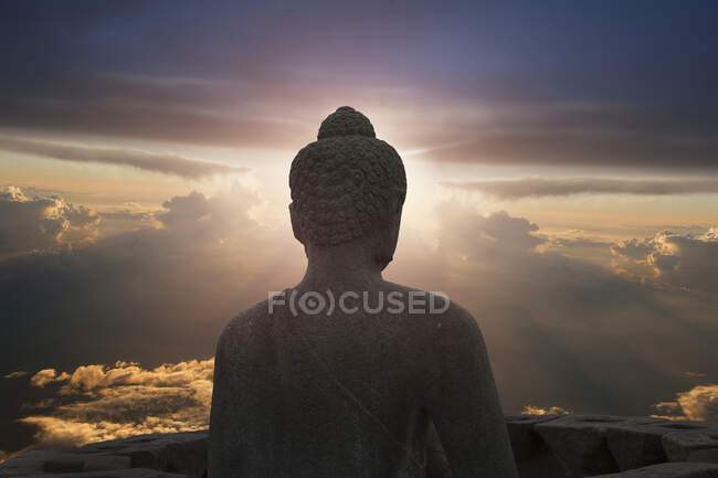 Glowing buddha, The Buddhist Temple of Borobudur, Java, Indonesia — Fotografia de Stock