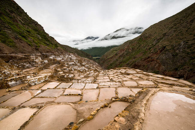 View of salt ponds, Sacred Valley, Peru, South America — Fotografia de Stock