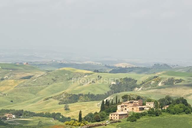Сельская сцена, Тоскана, Италия — стоковое фото