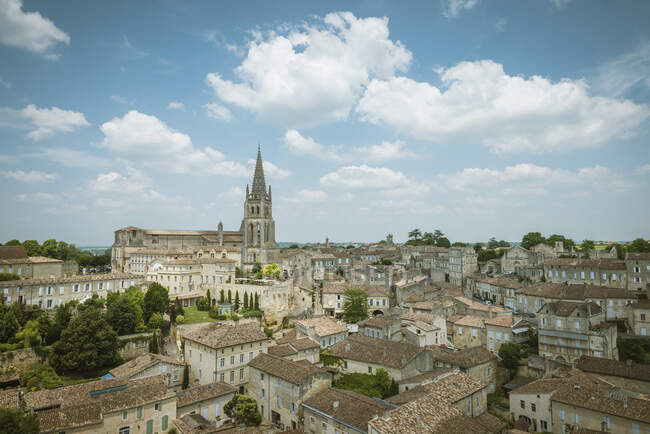 View of monolithic church, Saint-Emilion, Aquitaine, France — Fotografia de Stock