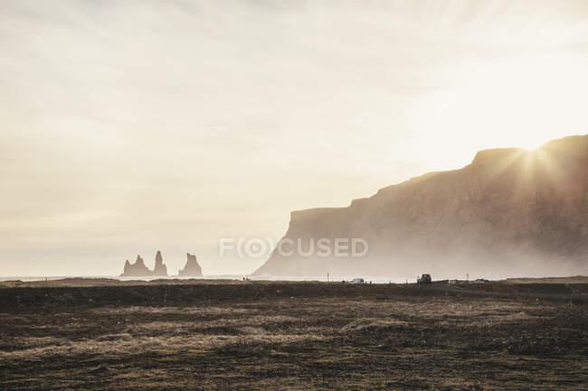 Paisaje Costa en Vik i Myrdal, pueblo más al sur de Islandia - foto de stock