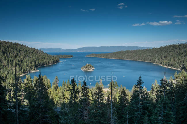 View of Emerald Island on Lake Tahoe, California, USA — Fotografia de Stock