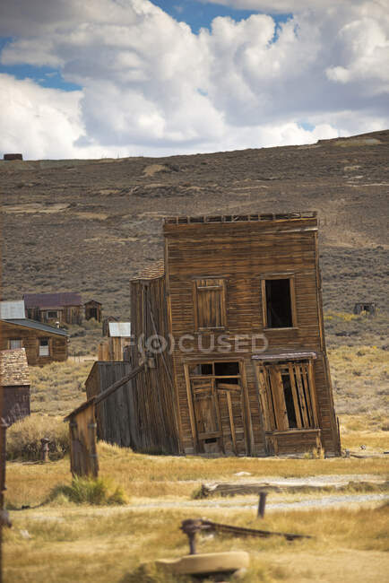 Лінинг покинутий старий магазин в місті Боді, Національний парк Боді, Каліфорнія, США — стокове фото
