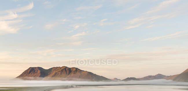 Fog covered mountains, Kolgrafafjordur, Snaefellsnes peninsula — Stock Photo