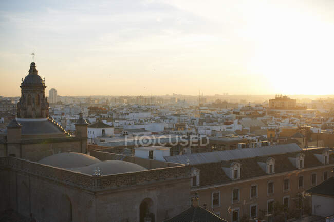 Elevated cityscape view at sunset, Seville, Andalusia, Spain — Stock Photo