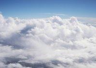 Padrão natural de cloudscape em céu azul, vista aérea — Fotografia de Stock
