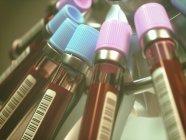 Centrifuger des échantillons de sang avec des codes-barres, illustration numérique . — Photo de stock