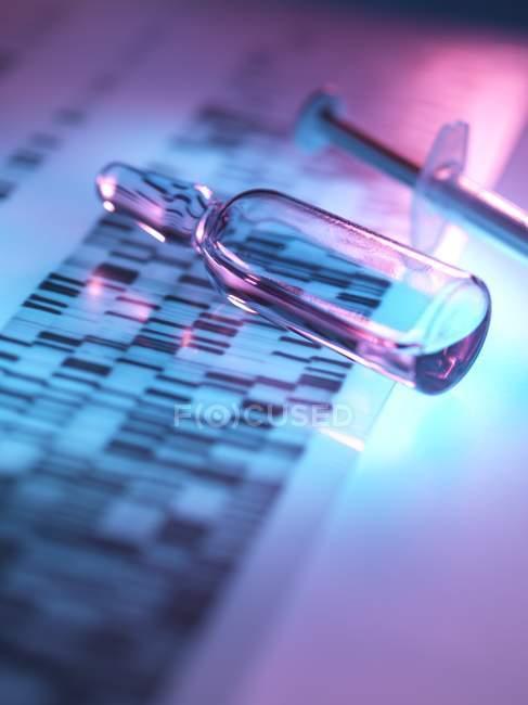 Vista ravvicinata della fiala il autoradiogram di ricerca genetica. — Foto stock