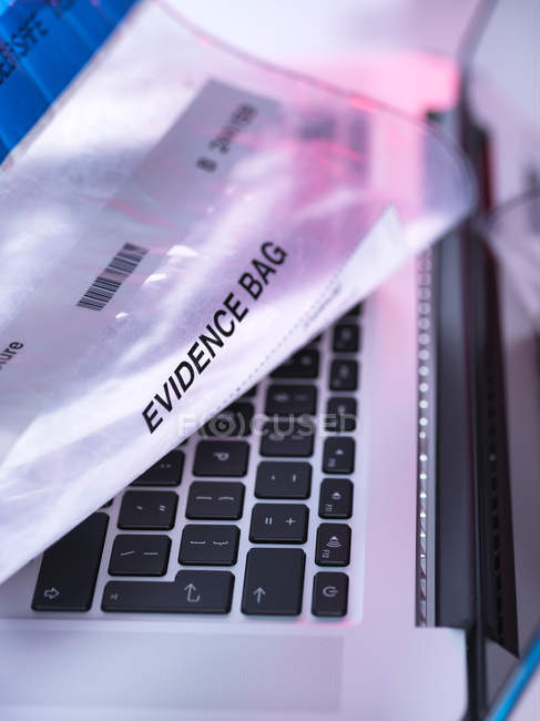 Forensic investigation of computer lap top — Stock Photo