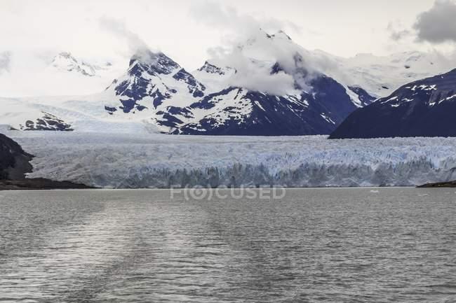 Vista sobre o Glaciar Perito Moreno Glacier, Parque Nacional Los Glaciares, província de Santa Cruz, Patagônia, Argentina. — Fotografia de Stock