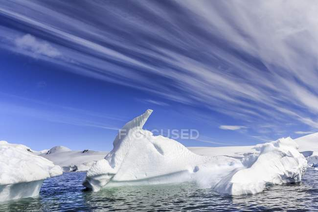 Icebergs near entrance of Lemaire Channel of Antarctic Peninsula. — Stock Photo
