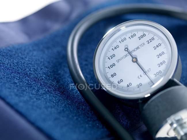 Blutdruckmessgerät. Nahaufnahme. — Stockfoto