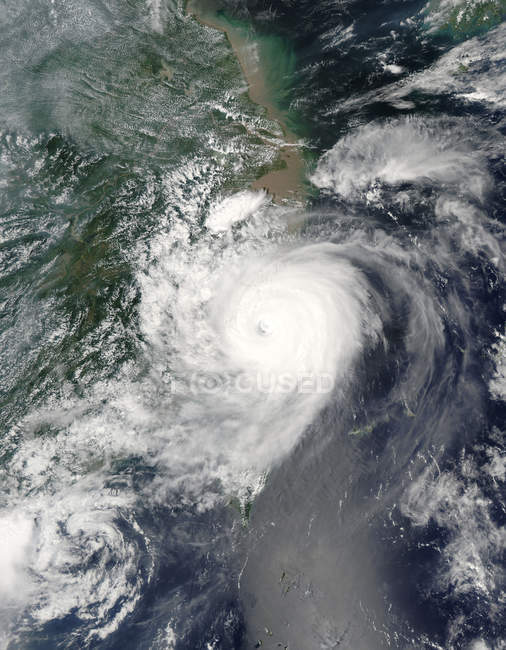 Satellite image of typhoon Saomai over Taiwan and China. — Stock Photo