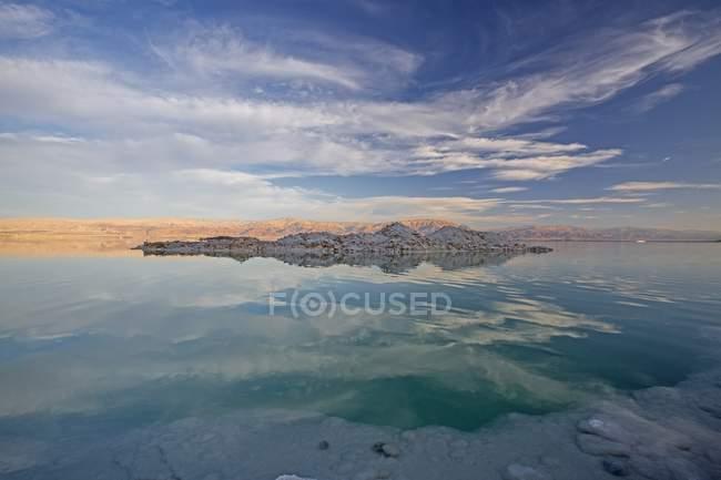 Vista panorâmica do mar morto ao anoitecer — Fotografia de Stock