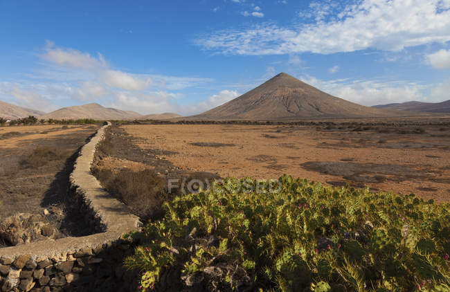 Scenic view of volcano, Fuerteventura, Canary Islands, Spain. — Stock Photo