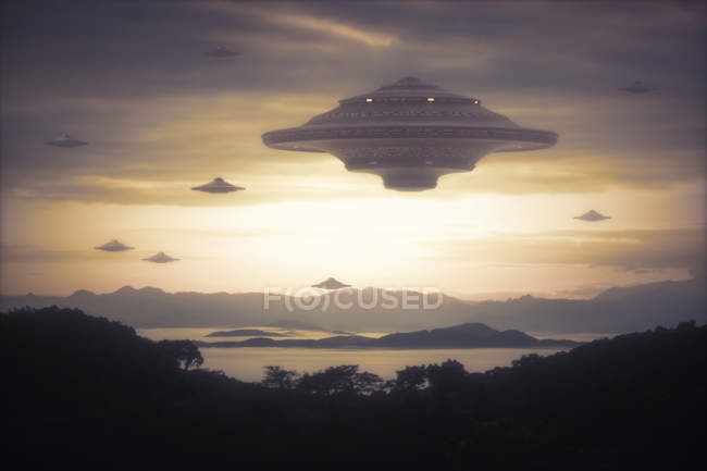 Extraterrestrial Spaceships in sky — Stock Photo