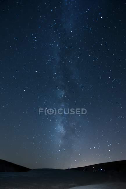 Живописный вид звёзд галактики Млечный путь. — стоковое фото
