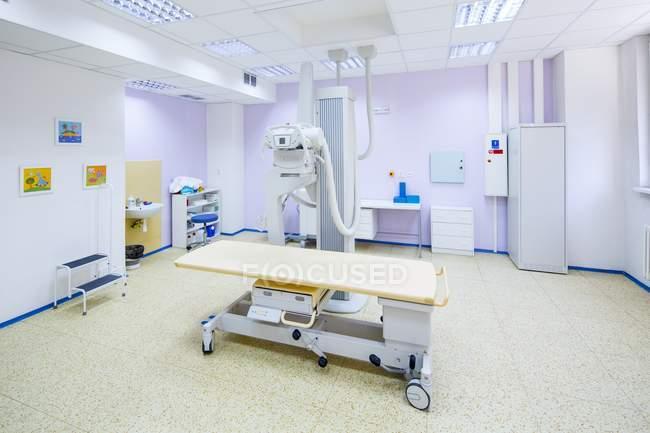 Больничную палату с x-Рэй машины. — стоковое фото