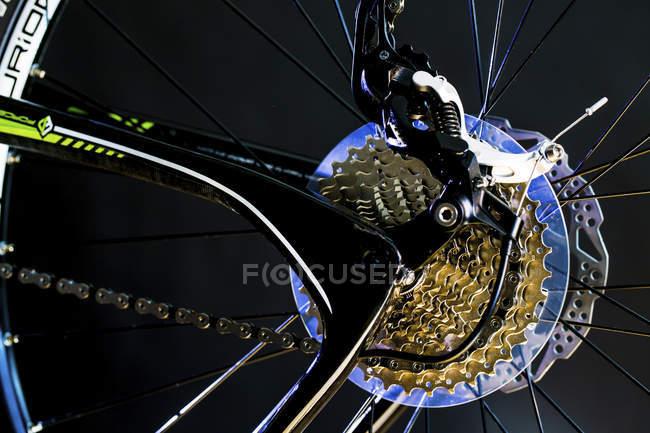 Vista de perto das engrenagens de bicicleta esportiva . — Fotografia de Stock