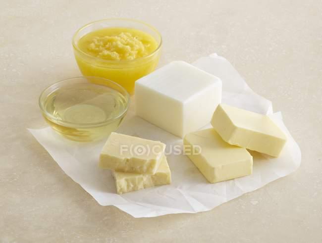 Cuisson de graisses et de fromage, nature morte. — Photo de stock