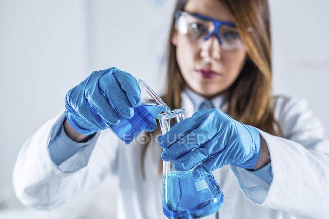 Biotechnology female scientist working in laboratory. — Stock Photo